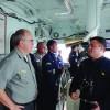 "Comandante da ESG visita o Navio ""Raposo Tavares"""