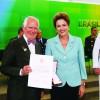 Presidenta Dilma condecora ex-pracinhas  em comemoração pelo Dia da Vitória