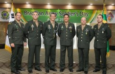 Dia do Soldado do Exército Brasileiro foi comemorado na capital da Coréia do Sul