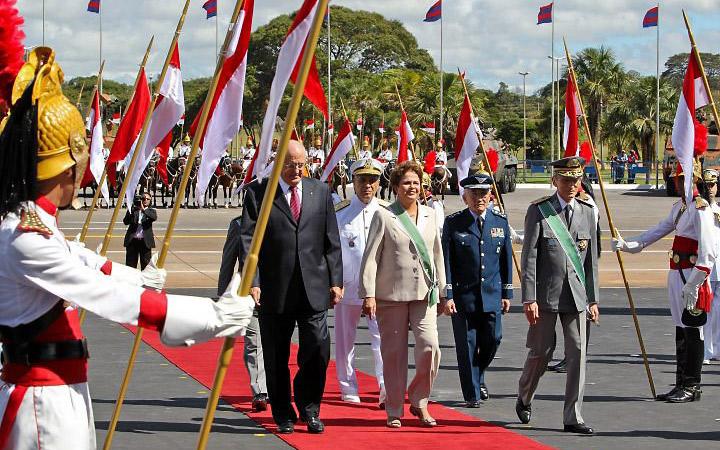 No Dia do Exército, Presidenta Dilma exalta confiança da sociedade nos soldados brasileiros