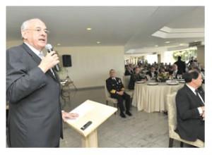 Nelson Jobim participa do relançamento da Frente Parlamentar de Defesa Nacional