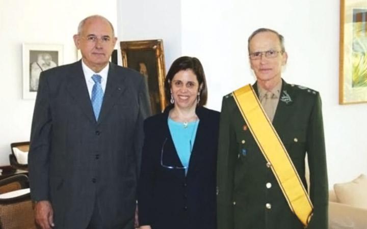 Comandante do Exército recebe Condecoração do Exército Colombiano