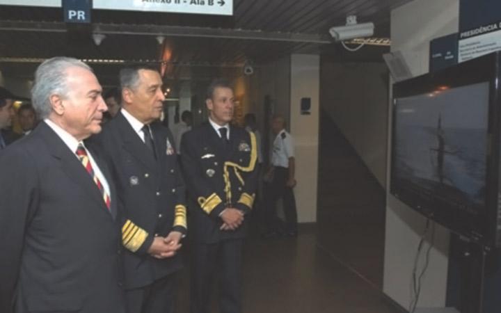 Vice-Presidente da República visita exposição da Marinha