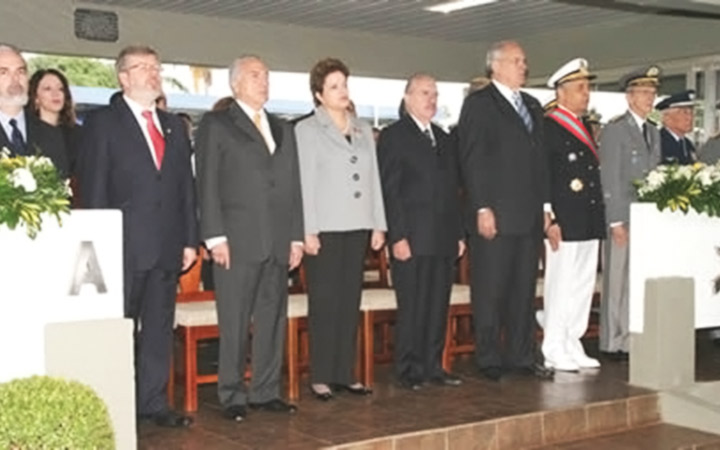 Presidenta Dilma exalta a importância da Marinha na defesa nacional