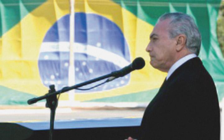 Personalidades civis e militares são homenageadas com Medalha Mérito Santos-Dumont