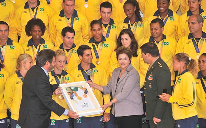 Dilma Rousseff recebe os medalhistas
