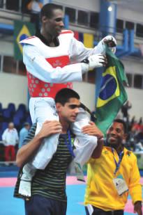 Marinheiro conquista a medalha de ouro para o Brasil no Taekwondo