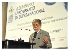 Ministros do Brasil e Argentina discutem projetos para a defesa sul-americana