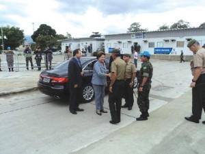 Presidenta da República visita a Força de Pacificação