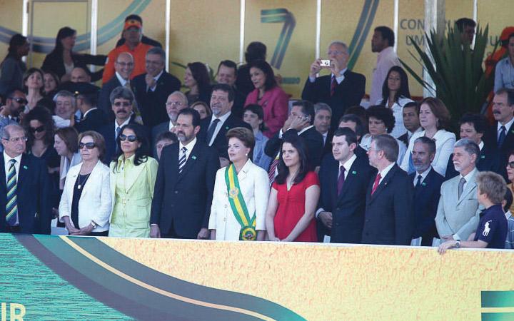 Desfile cívico militar reúne público recorde em Brasília na Esplanada dos Ministérios no Dia da Independência