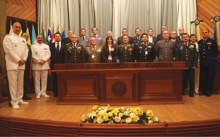 ESG sedia XII Conferência de Diretores de Colégios de Defesa Ibero-Americanos