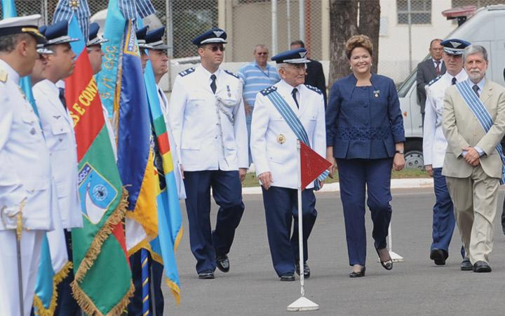 FAB comemora 70 anos e o Dia do Aviador