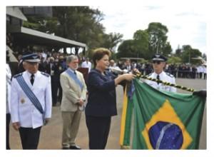 FAB comemora Dia do Aviador e agracia personalidades com a Ordem do Mérito Aeronáutico