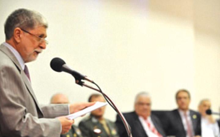 Amorim defende base industrial forte no II Seminário Estratégia Nacional de Defesa