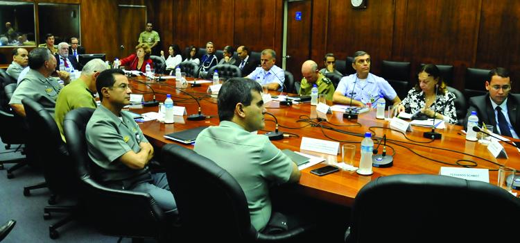 Ministro da Defesa Jaques Wagner conhece ações do Brasil em missões de paz da ONU