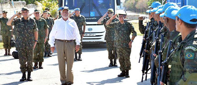 No Haiti Ministro Jaques Wagner elogia atuação brasileira