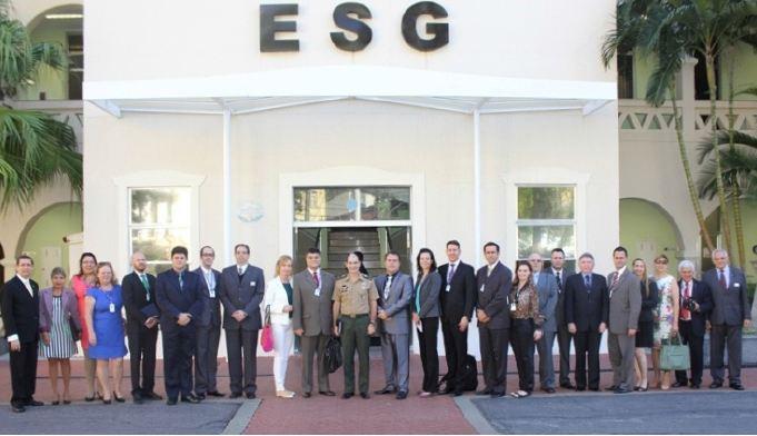 Comitiva da ADESG do Paraná visita a Escola Superior de Guerra