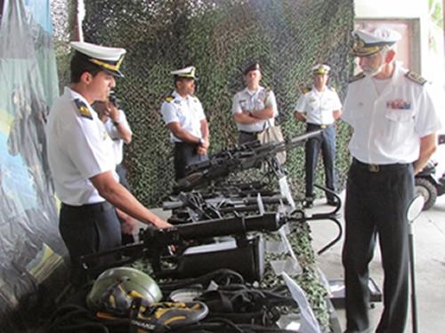 Chefe do Estado-Maior da Armada da Marinha  Portuguesa visita a Força de Submarinos