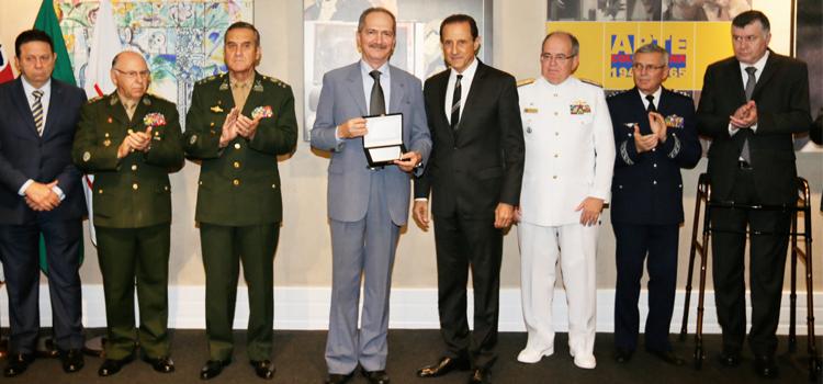 Ministro, militares e empresários  enfatizam unidade pela Defesa