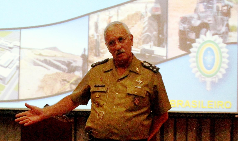 """General do Exército Joaquim Maia fala na ESG sobre """"O Exército em apoio ao Desenvolvimento Nacional"""""""