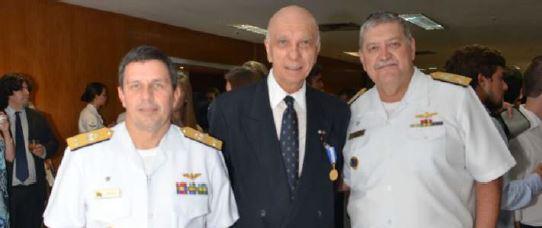 Editor da Folha Militar recebe no  1° Distrito Naval a Medalha Amigo da Marinha