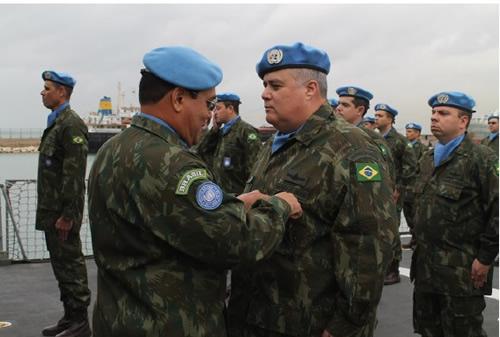 Contingente brasileiro da UNIFIL é condecorado com a Medalha da ONU