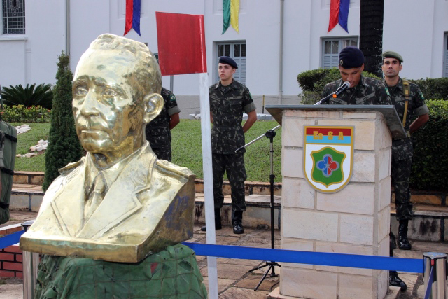 Escola de Sargentos das Armas comemora o aniversário da Arma de Comunicações