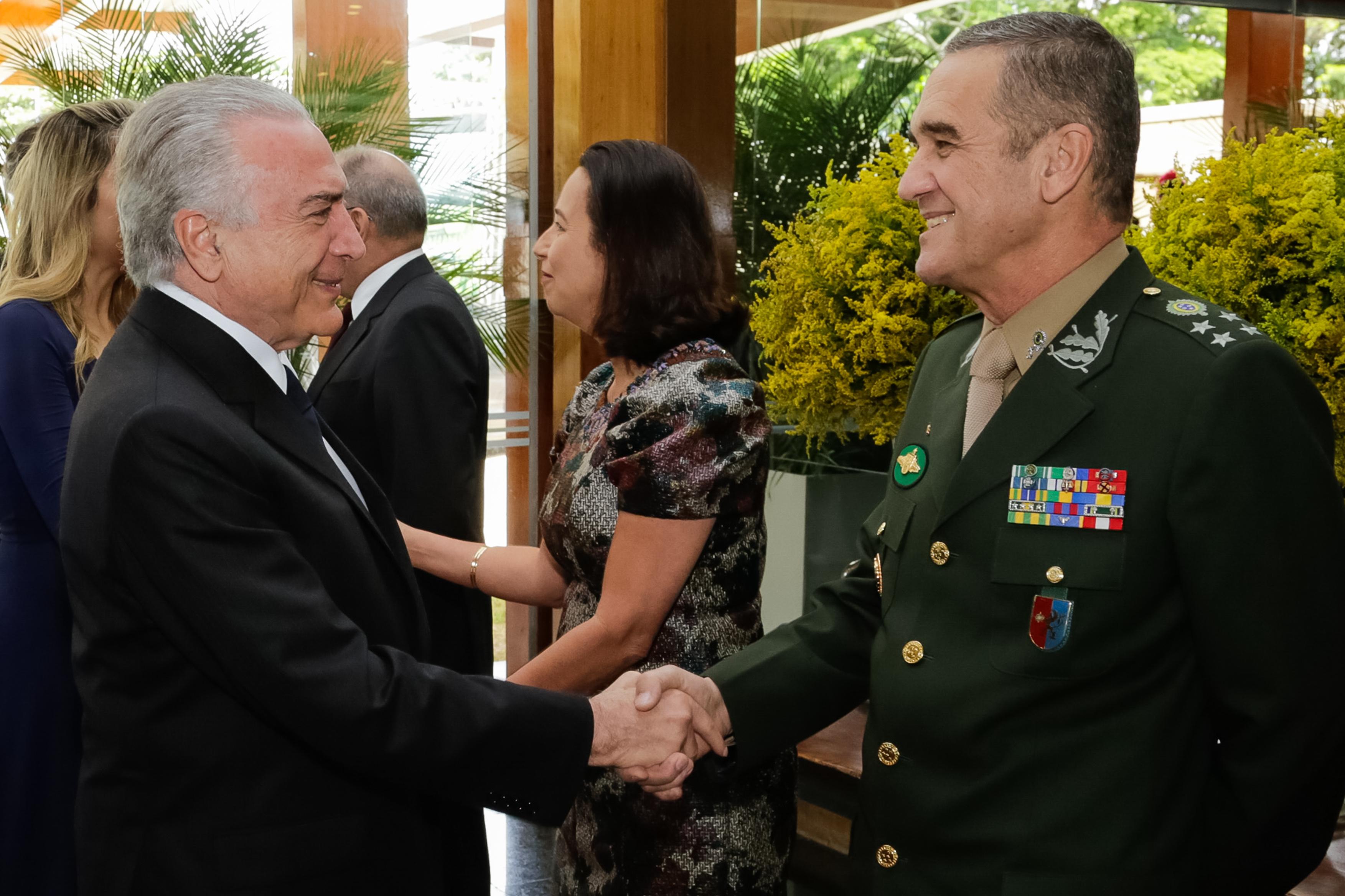 Presidente Temer recebe os cumprimentos de fim de ano dos oficiais ...
