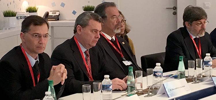 Ministro da Defesa recebe, na França, Satélite brasileiro que será lançado em 2018