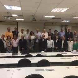 Diretoria da ADESG com os Delegados em comemoração aos 65 anos