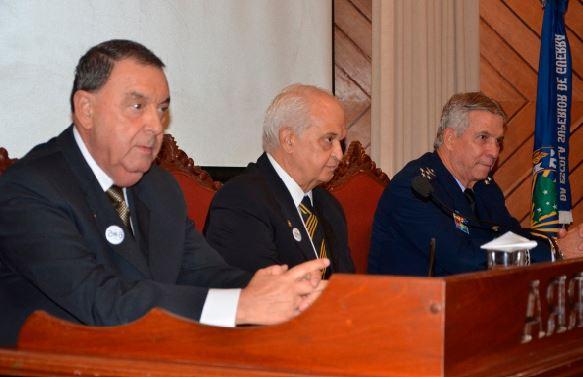 ADESG comemora 65 anos em sessão solene no auditório da Escola Superior de Guerra