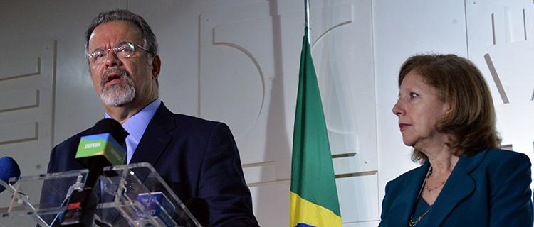 No final de 2016, Jungmann, e a então embaixadora norte-americana no Brasil, Liliana Ayalde, lideraram o Diálogo da Indústria de Defesa