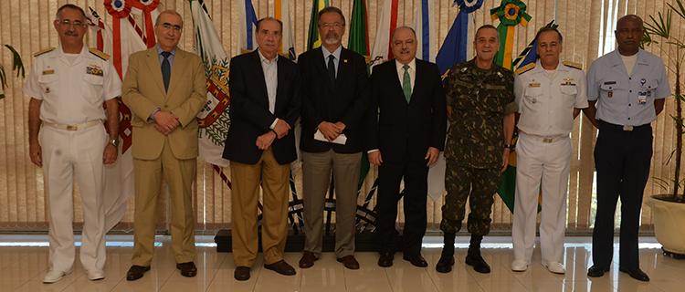 Ministros da Defesa e das Relacoes Exteriores