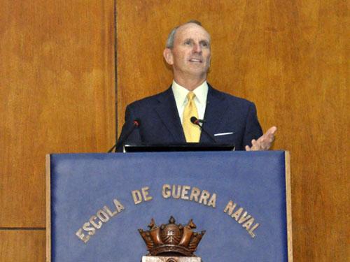 EGN realiza palestra com o ex-Comandante da Marinha dos EUA