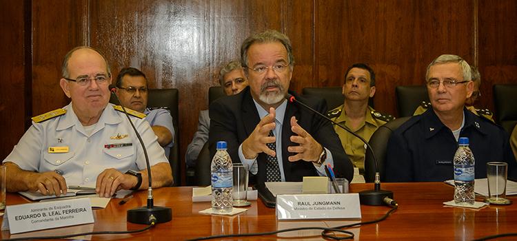 Defesa e Relações Exteriores discutem agenda internacional