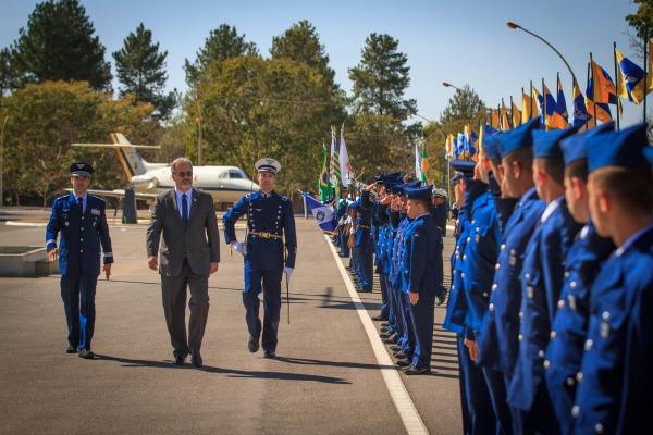 Força Aérea condecora personalidades do Brasil e do exterior na comemoração do 144° aniversário de Alberto Santos Dumont, Patrono da Aeronáutica