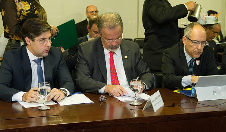 Ministro da Defesa passa a integrar Conselho de Ministros da CAMEX