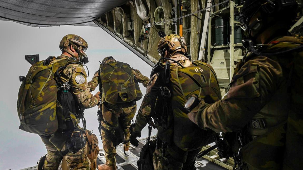 Adestramento de Salto Livre capacita militares para atuarem em missões de risco