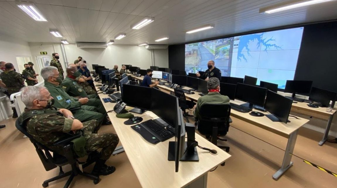 Comitiva da Defesa encerra visita à Operação Ágata em fronteira ao Sul do País