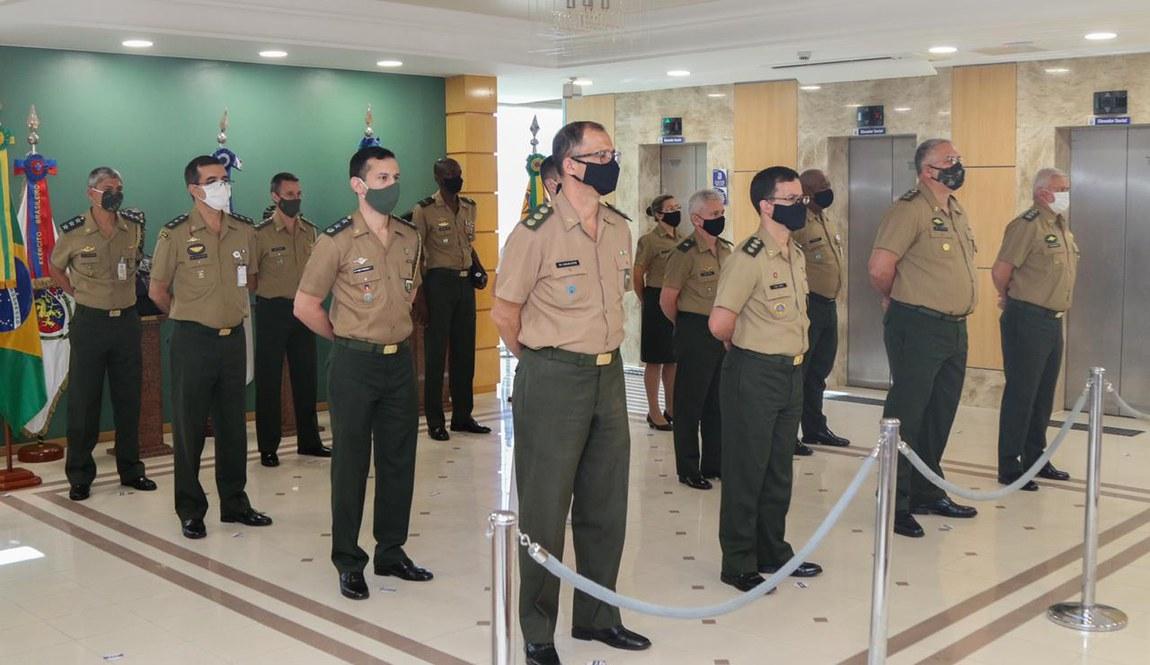 Defesa celebra o Dia do Soldado