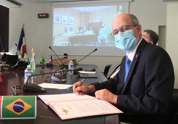 ITA renova acordos de cooperação com universidade francesa