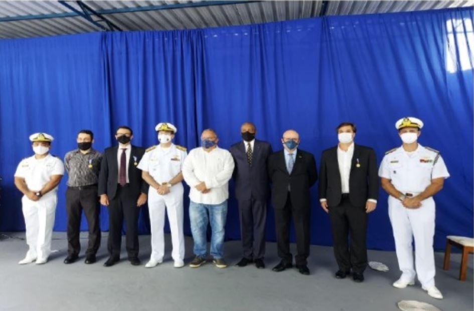 Comandante do 1º Distrito Naval dá posse ao Delegado da SOAMAR-RIO em Angra dos Reis