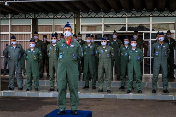 Cerimônia na AFA marca despedida operacional do Tenente-Brigadeiro Amaral
