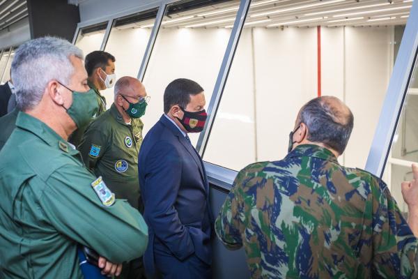 Comitiva do Vice-Presidente da República visita Comando de Operações Aeroespaciais