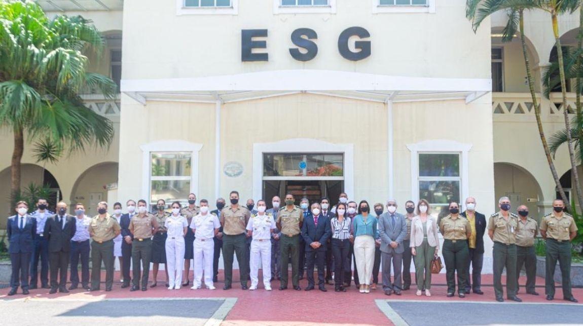 Departamento de Ensino do Ministério da Defesa promove cooperação acadêmica entre pós-graduandos na ESG