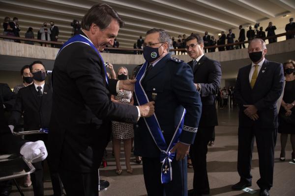 Militares da Força Aérea Brasileira são agraciados com a Ordem de Rio Branco