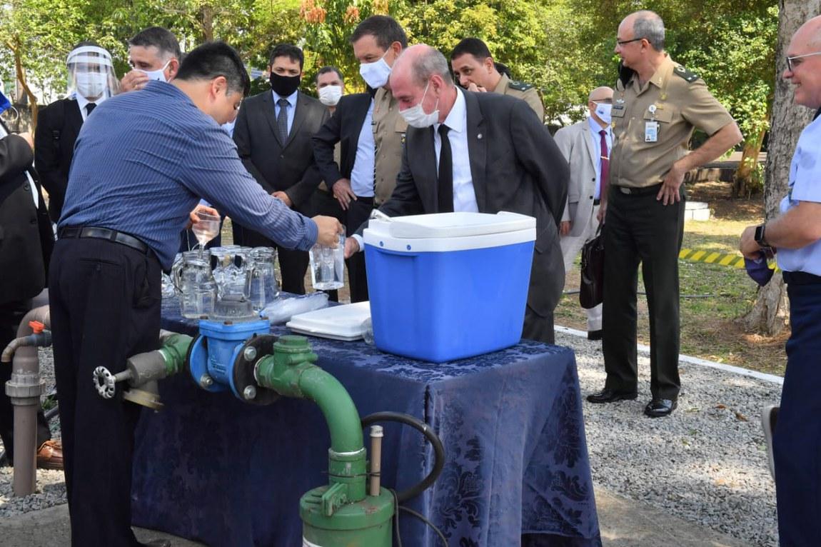 Ministro da Defesa conhece projeto sustentável para tratamento de água e esgoto