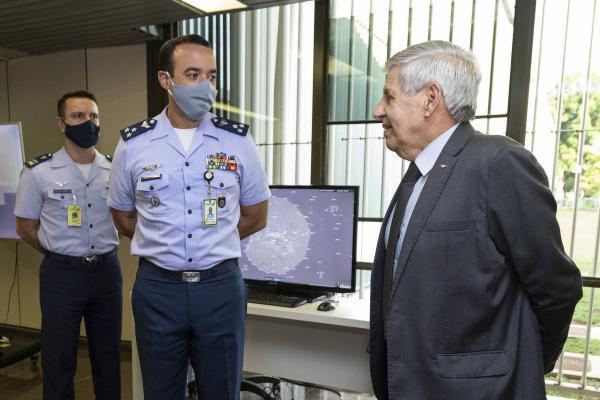Palácio do Planalto recebe exposição em homenagem ao Dia do Aviador e da FAB