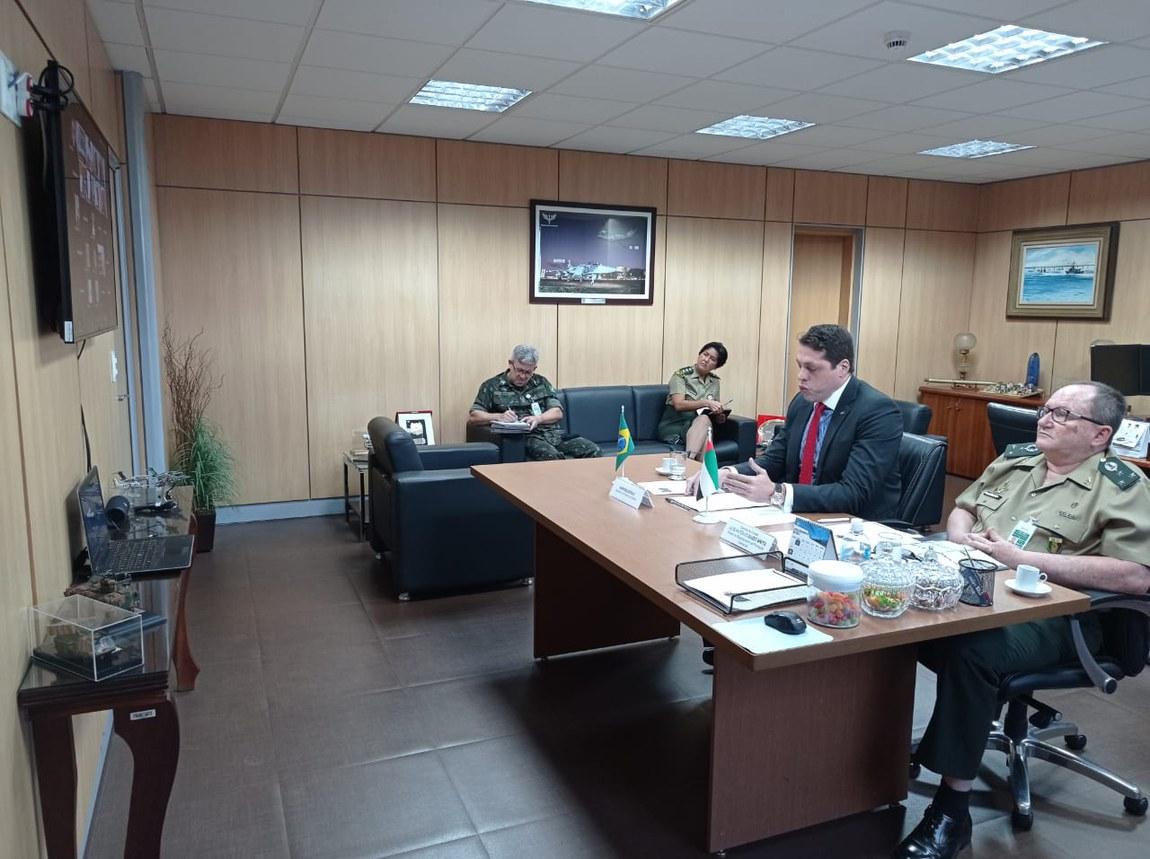 Brasil e Emirados Árabes fortalecem a cooperação no setor de Defesa