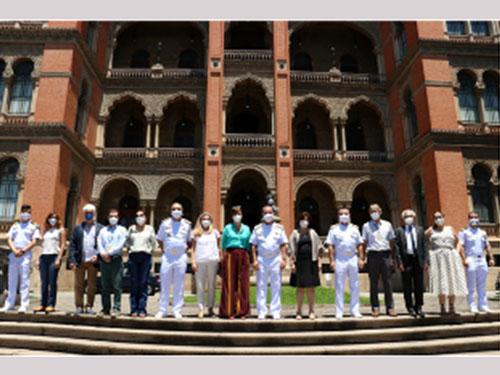 Comandante da Marinha visita Fundação Oswaldo Cruz